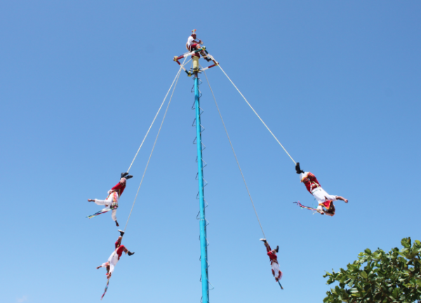 Friendly-Madrid-Danza-voladores-maya